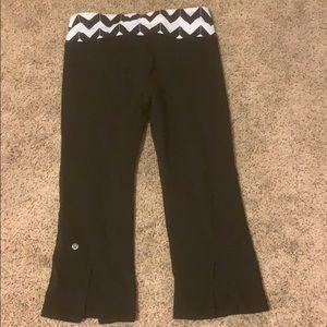 LULULEMON leggings with pattern top